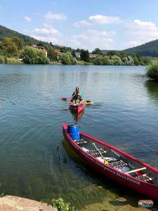Kanu im Wasser